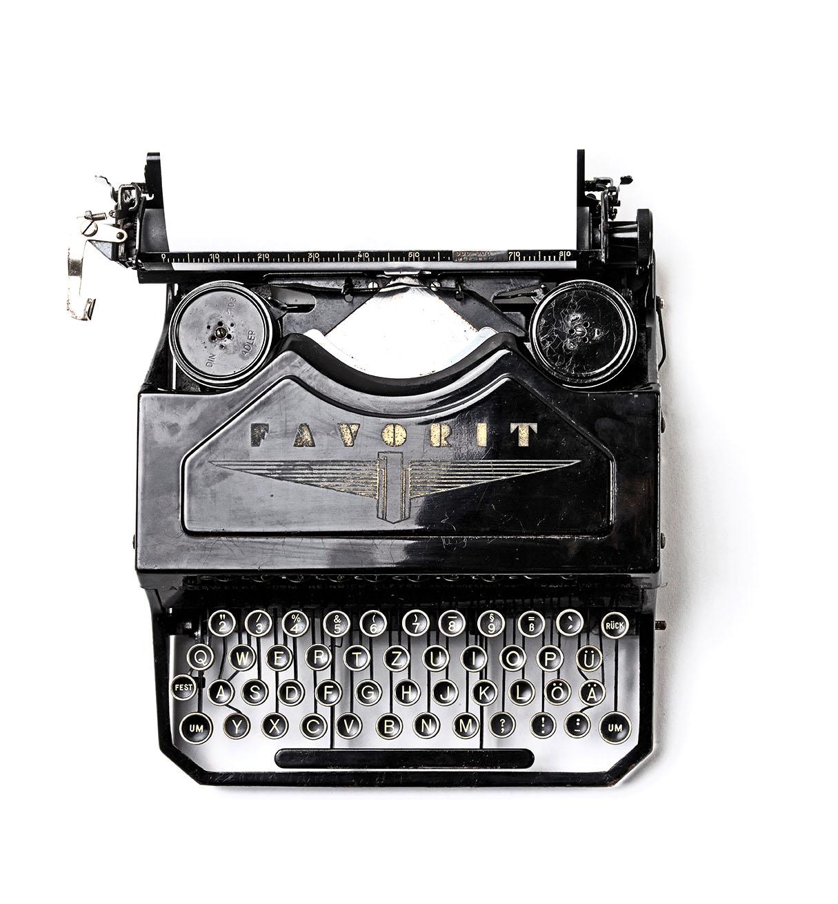 schreibmaschine-florian-klauer-mk7D-4UCfmg-unsplash